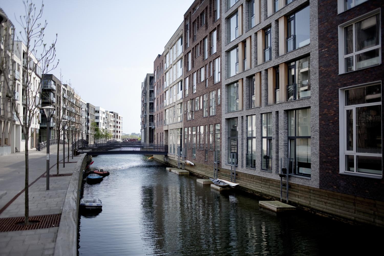 Nybyggeri københavn leje – Cykelhjelm med led lys