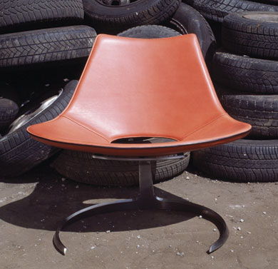 scimitar_chair_orange_2